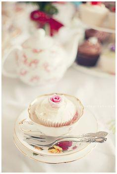 pretty cake for tea!