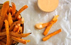 Sweet Potato Fries with Sriracha Creme Fraiche - Bon Appétit Hamburgers, Homemade Fries, Side Dish Recipes, Side Dishes, Easy Recipes, Potato Dishes, Potato Recipes, Fried Potatoes, Hamburger