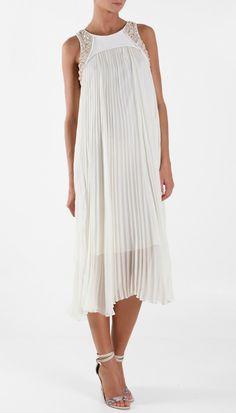 Tendencia en vestidos de novia: la elegancia del plisado