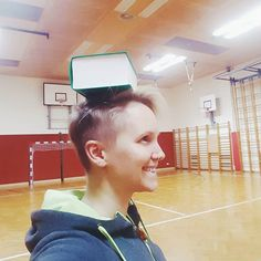 You don't believe that this is a real #workout? It is! Balancing a book on your head helps to get a #Strength and #Stability in you #neck. Do it 2 times a day  #personaltrainer #fitnesstrainer #exercise #fitnessfun #fitfun