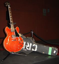 Eric Claptons cherry red Gibson Guitar sold at auction for $847,500 ..