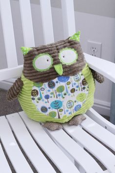 This is so dang cute... I think the nursery will be all owl things!