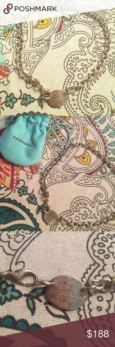 Tiffany & Co silver necklace Return to Tiffany & Co silver necklace Tiffany & Co. Jewelry Necklaces