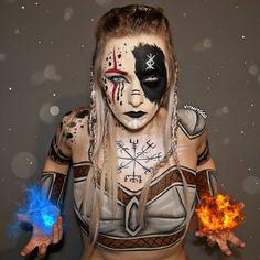 Viking Warrior Body Painting (Clothes painted on) by on DeviantArt Halloween Magic, Halloween Makeup Looks, Halloween Cosplay, Viking Warrior Woman, Xena Warrior, Viking Shield Maiden, Sheild Maiden, Viking Face Paint, Tribal Face Tattoo