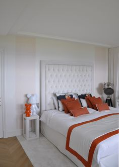 White and orange bedroom fabrics and lamp Bedroom Orange, Interior Design Studio, Headboards, Geneva, Projects, Fabrics, Furniture, Home Decor, Nest Design