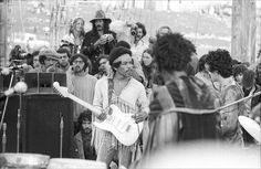 History In Pictures (@HistoryInPics) tweeted at 11:45 AM on Thu, Nov 28, 2013: Jimi Hendrix at Woodstock, 1969