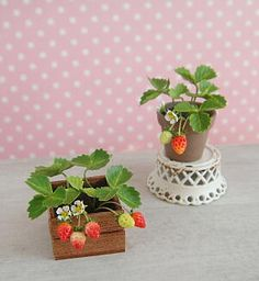 strawberries by Mashiro Mahara (he cuts leaves and flowers using scissors...no punches!)