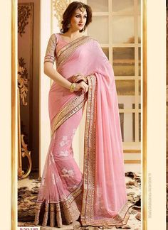 Wide range of saree available online. Buy this Light Pink Embroidery Work with Patch Border Chiffon and net Blissful Designer Bridal Wedding Partywear Saree With Blouse. Buy Designer Sarees Online, Designer Silk Sarees, Latest Designer Sarees, Designer Wear, Sarees Online India, Saree Trends, Saree Shopping, Elegant Saree, Gowns Online