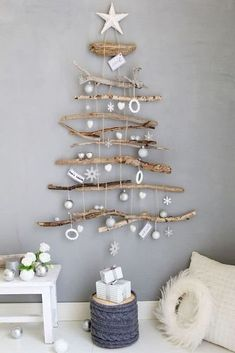 Rustic Christmas, Christmas 2019, Christmas Crafts, Stick Christmas Tree, Xmas Tree Decorations, Christmas Decorations For The Home, Alternative Christmas Tree, Decoration Originale, Festival Lights