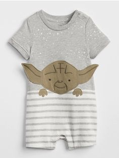 Baby boy rompers at Gap are available in shorts and pants options. Find baby one-piece 1 easy outfits and comfy playtime one-pieces for baby boy. Little Boy Outfits, Little Boys, Girl Outfits, Baby Boy Fashion, Kids Fashion, Boys Closet, Baby Swimming, Star Wars Baby, Baby Boy Romper