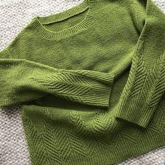 Knitting Patterns Pullover Ravelry: Poplar pattern by Ayano Tanaka Sweater Knitting Patterns, Knitting Designs, Knit Patterns, Knitting Projects, Stitch Patterns, Knit Sweaters, Knitting Tutorials, How To Purl Knit, Sweater Weather