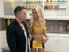 Doug Hutchison and Courtney Stodden were first to arrive at the #CouplesTherapy house.