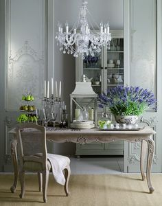 Pretty table, chandelier, lavender in bowl
