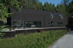 black barn- Pinc House