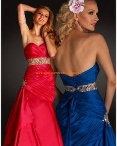 Belle robe sans bretelle col en cœur rouge incarnadine bleue robe de soirée 2013 satin