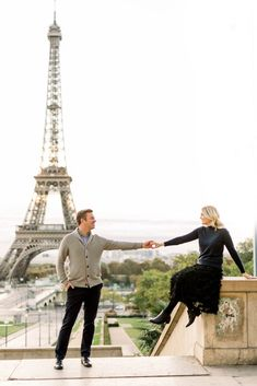 10 Tips for a Paris Honeymoon - Danielle Harris Photography |  Eiffel Tower Engagement Session #engaged #engagement #love #photooftheday #couplegoals Honeymoon On A Budget, Honeymoon Spots, Honeymoon Destinations, Amazing Destinations, Travel Hat, Romantic Paris, Luxembourg Gardens, Wedding Honeymoons, Dresses