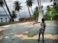 São Tomé e Príncipe. Ilhéu das Rolas - Linha do Equador