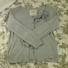 Hollister sweater lightweight M Gently used, great condition, like new Hollister Sweaters Cardigans