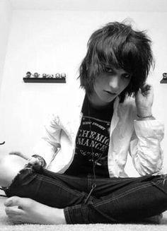 Day 1 Youtuber challenge- favourite boy Youtuber: Johnnie Guilbert He's so adorable :3