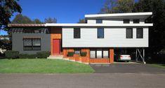 Best exterior home remodel split level Ideas Home Exterior Makeover, Exterior Remodel, Architecture Plan, Residential Architecture, Modern Exterior, Exterior Design, Exterior Siding, Split Level Exterior, Split Level Remodel