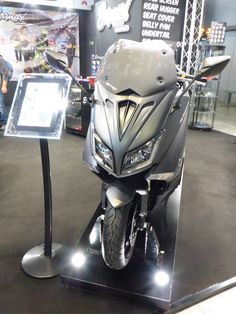 New front face on Yamaha 530 TMax 2015/2016