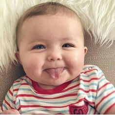If you are lucky to have a baby girl or boy, you can easily understand power of baby charm. Cute babies are nothing less than marvels of joy. Why people love So Cute Baby, Cool Baby, Cute Baby Pictures, Baby Kind, Cute Kids, Precious Children, Beautiful Children, Beautiful Babies, Happy Baby