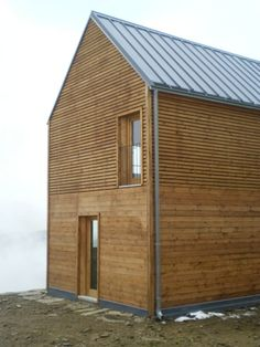 Since 1998 the Web Atlas of Contemporary Architecture Timber Cladding, Exterior Cladding, Architecture Details, Modern Architecture, Scandinavian Architecture, Wood Facade, Modern Farmhouse Exterior, Modern Barn, Facade House
