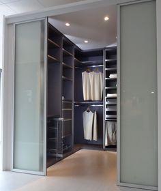 dressing sur mesure avec portes coulissantes