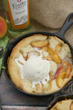 Peach Riesling Buckle for #SundaySupper | girlichef.com