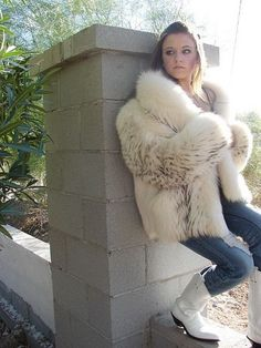 fur fashion directory is a online fur fashion magazine with links and resources related to furs and fashion. furfashionguide is the largest fur fashion directory online, with links to fur fashion shop stores, fur coat market and fur jacket sale. Fox Fur Jacket, Fox Fur Coat, Fur Coats, White Faux Fur Coat, Fur Casual, Fur Fashion, Womens Fashion, Fabulous Fox, Cute Woman