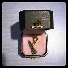 Juicy Couture Empire State Building Charm Retired charm, Never worn, perfect for a NY lover. Comes with box Juicy Couture Jewelry Bracelets