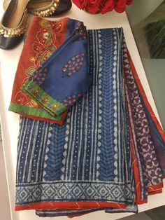 Best 12 Kota Doria in indigo with contrast edging – SkillOfKing. Kalamkari Blouse Designs, New Saree Blouse Designs, Cotton Saree Designs, Saree Blouse Patterns, Kurta Designs, Blouse Styles, Cotton Saree Blouse, Sari Blouse, Cutwork Saree