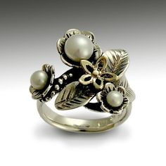 Pearls Engagement ring -  Sterling silver and yellow gold floral woodland ring with pearls - Just flowers.. $126.00, via Etsy. Super Hermoso
