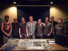 Canal Electro Rock News: Queens Of The Stone encerra mixagem do seu próximo disco
