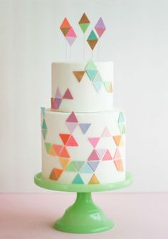 21 Gorgeous Geometric Cakes for Your Modern Wedding via Brit + Co.