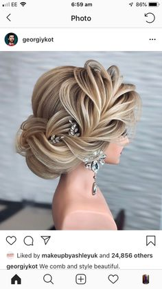 Beautiful Women Hairstyles Do you wanna see more fab hairstyle ideas and tips for your wedding? Then just visit our web site babe! Women Hairstyles Do you wanna see more fab hairstyle ideas and tips for your wedding? Then just visit our web site babe! Elegant Wedding Hair, Short Wedding Hair, Wedding Hairstyle, Wedding Gowns, Elegant Hairstyles, Bride Hairstyles, Hairstyle Ideas, Hair Ideas, Hairstyles 2018
