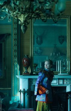 Alice Through the Looking Glass photo 3