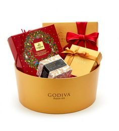 Order Christmas chocolates online from our delicious festive collection. Unique Christmas chocolate boxes delivery to USA. Christmas Chocolate, Chocolate Box, Chocolate Delivery, Box Delivery, Host Gifts, Red Ribbon, Birthdays, Easter, Valentines