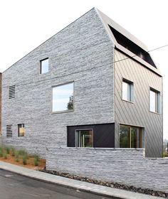 narrow-lot-uses-modern-fortress-wall-privacy-street-10-balcony.jpg