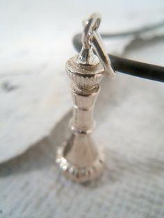 genie bottle charm Barbara Eden, Jewelry Box, Jewelry Accessories, Unique Jewelry, Jewelry Ideas, I Dream Of Jeannie, Genie Bottle, Bottle Charms, Dyi Crafts