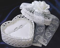 ateliersarah's ring pillow/Heart-shaped lace basket(Pearl and organdy ribbon and decorated with roses)