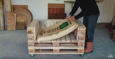 Make a Simple DIY Pallet Sofa Chair From Recycled Wood #SofaChair