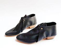 The Meghan. Black Pebble Grain. 3cm. Handmade Boots. Comfort Shoes. Soft Shoes.