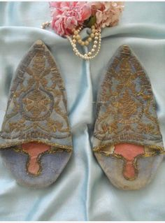 Ottoman shoes antique mules metallic embroidery