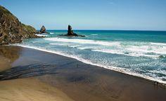 Anawhata Beach, Auckland, NZ