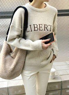 77사이즈 Korean Fashion, Sweatshirts, Sweaters, K Fashion, Korea Fashion, Trainers, Sweater, Korean Fashion Styles, Sweatshirt