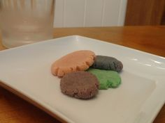 PinterMess: Nasty Jello Cookies - check out this article to see what went wrong with this popularly pinned recipe!