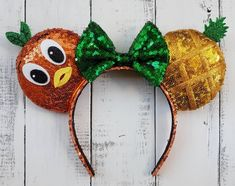 Orange Bird is low-key one of my favorite Disney icons. I love that he represents Adventureland and that whenever I see him, I just can't help but smile. Disney Mouse Ears, Minnie Mouse, Felt Crown, Orange Bird, Disney World Tips And Tricks, Disney Diy, Etsy Seller, Diy Crafts, Handmade Gifts
