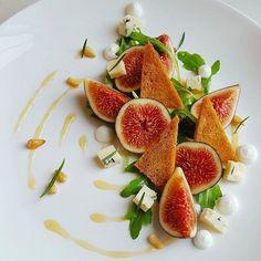 Fig arugula blue cheese thyme croute orange reduction by @oli_harding