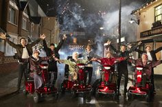 One Direction Midnight Memories Music Video: GIFs and Pics Tease Premiere!   Cambio
